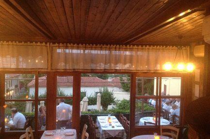 Εστιατόριο στην Πλάκα